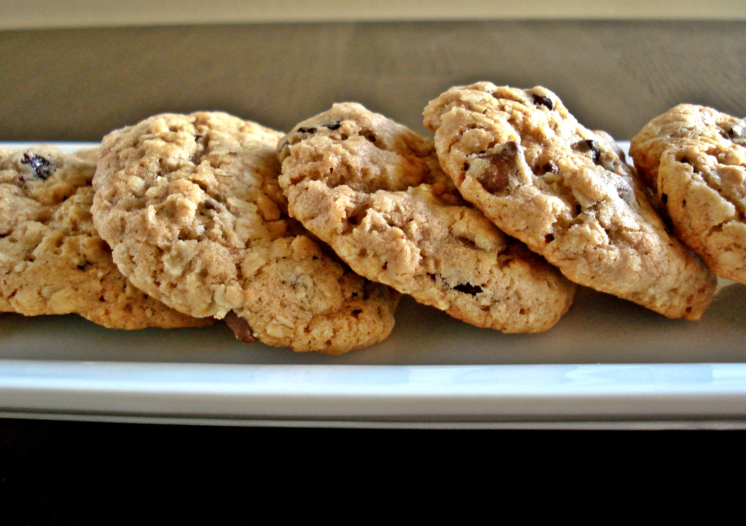Cherry Chocolate Chip Oatmeal Cookies | wee eats