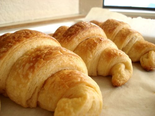 20120426-sys-french-sweets-croissants-thumb-500xauto-235616