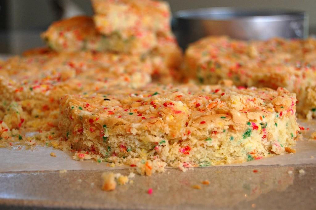 confetti cake 8390
