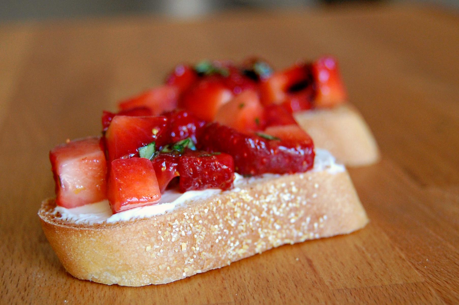 bruschetta strawberry 9816