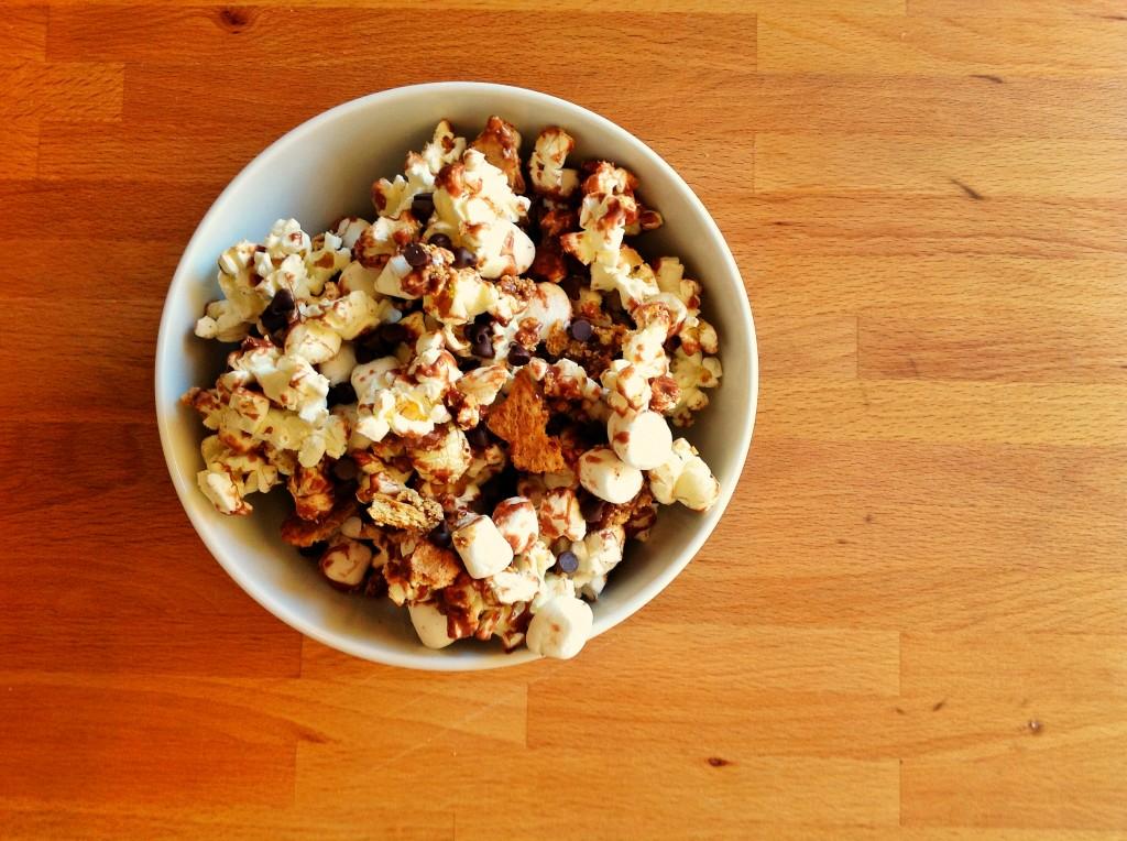 smore popcorn 1043