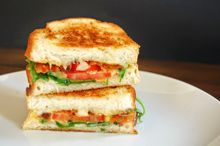 caprese grilled cheese 1276