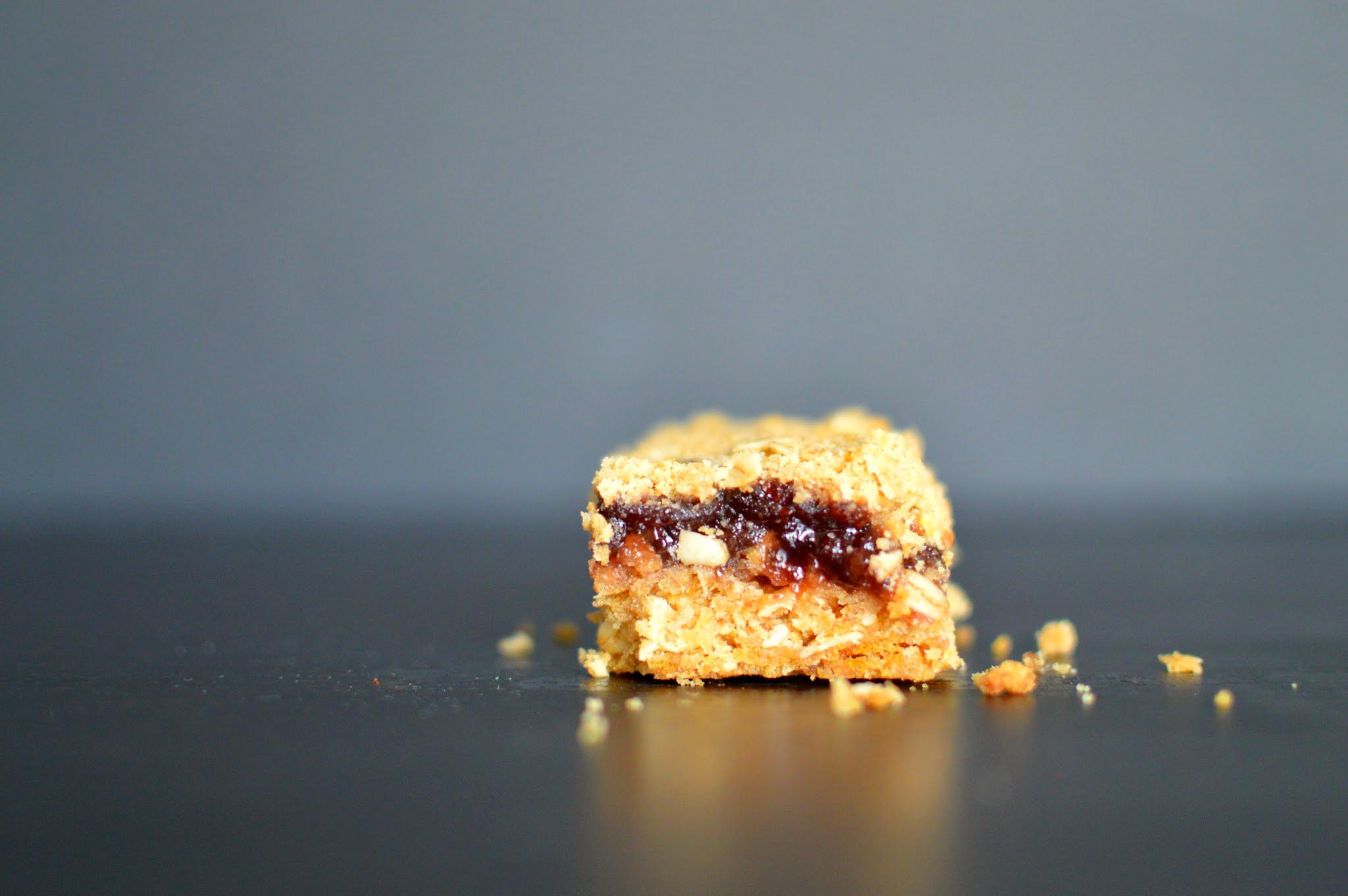 cherry oat bar 0454