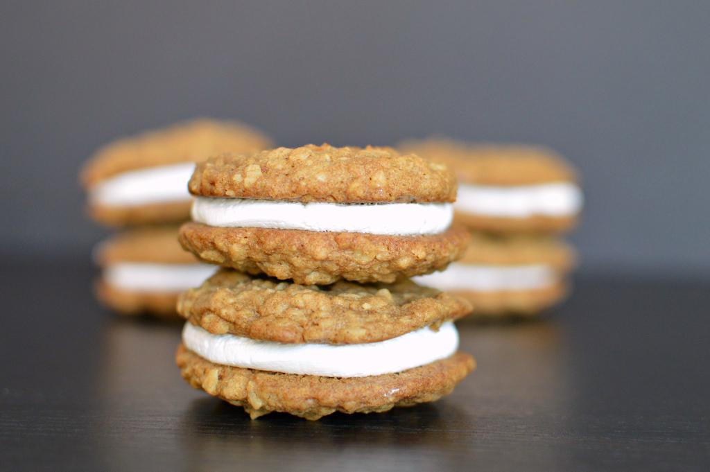 oatmeal cream pie | wee-eats.com