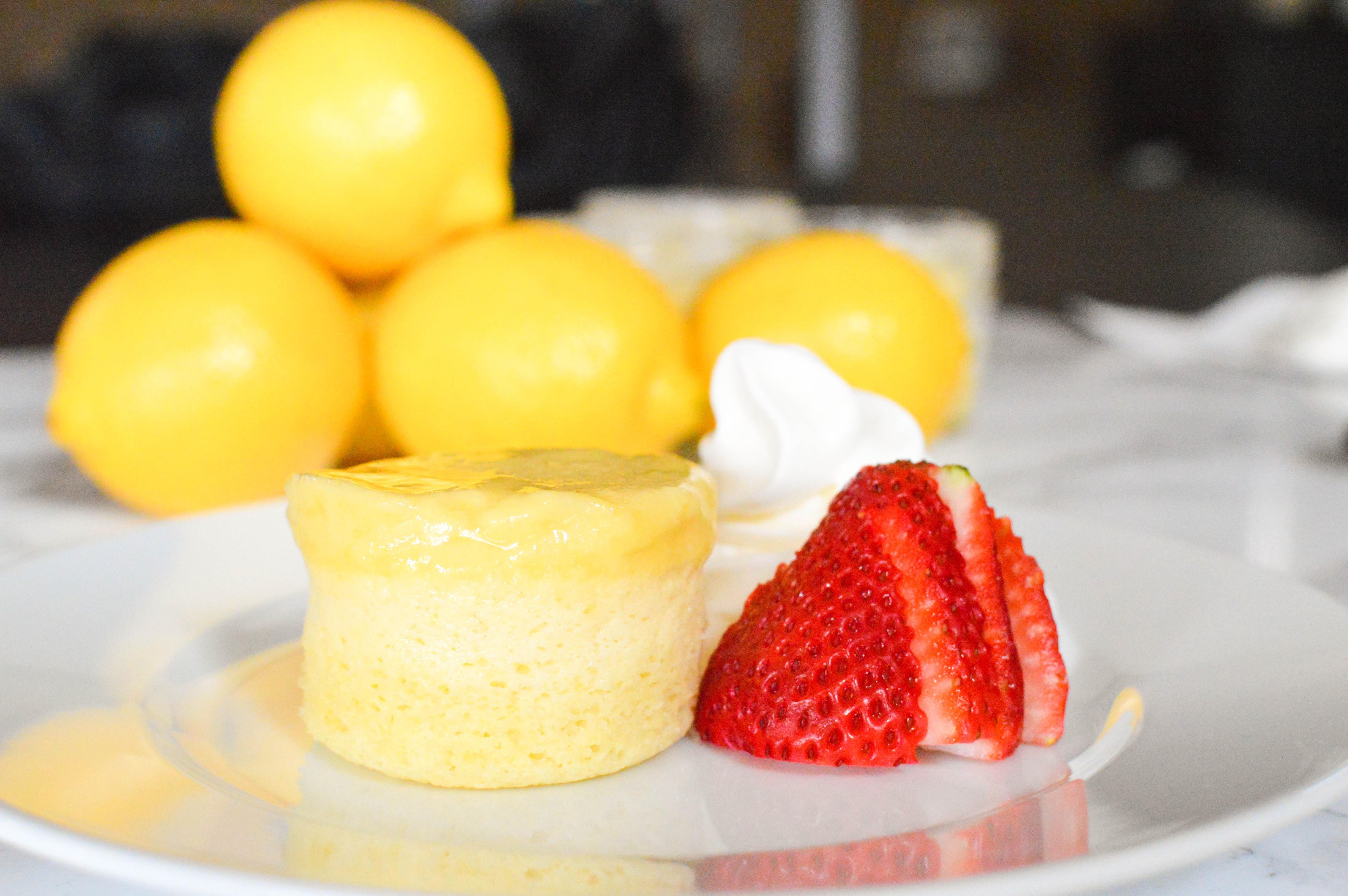 wee eats - game of thrones lemon cake 1