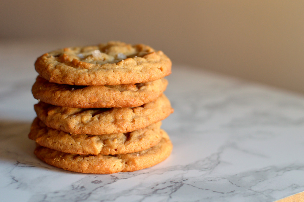 peanut-butter-cookies-wee-eats